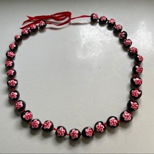 💥5 for $25💥Painted floral kukui nut necklace